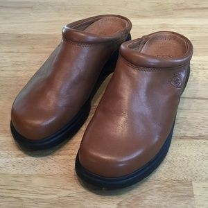 Ariat Brown Clogs Size 8B